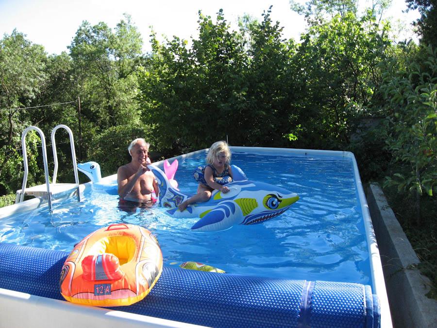 Foto s rond het huis vakantiehuis lodeve - Ontwikkeling rond het zwembad ...